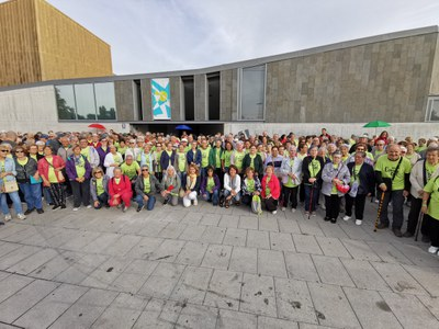 Augmenta la participació a la caminada de la Diada Internacional de la Gent Gran