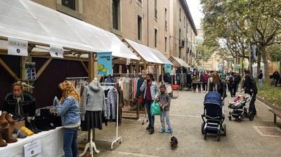 El parc Jaume Balmes s'omple de moda i compta amb una bona afluència de públic